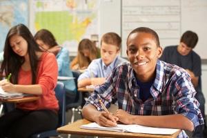Der Anspruch bei ALG 2 beinhaltet auch Leistungen zur Bildung und Teilhabe für Kinder und Jugendliche.