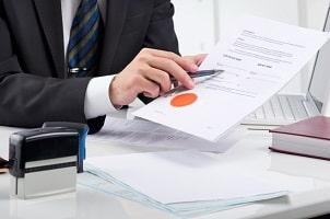 Ein Anwalt für Sozialrecht in Bad Ems kann Ihren Hartz-4-Bescheid überprüfen.
