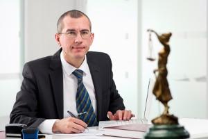 Ein Anwalt für Sozialrecht in Berlin kann Sie bei Problemen mit dem Jobcenter beraten.