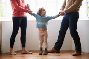 An wen das Arbeitsamt beim Kindergeld die Auszahlung vornimmt, entscheidet im Zweifelsfall das Gericht.