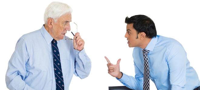 Lassen Sie sich vom Chef nicht abwimmeln! Eine Arbeitsbescheinigung für das Jobcenter muss ausgefüllt werden.