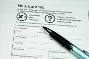 Die Annahme und Bearbeitung von Anträgen zählen zu den Aufgaben vom Jobcenter.