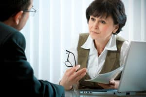 Beratung wird im Jobcenter großgeschrieben: Besonders die Arbeitsvermittlung steht im Mittelpunkt.