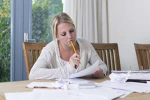 Eine Hartz-4-Beratung kann Ihnen helfen, die Rechenwege des Jobcenters zu verstehen.