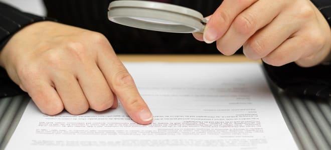 Wenn Sie sich beim Jobcenter abmelden wollen, müssen Sie keine Fristen laut Bescheid einhalten. Eine Abmeldung ist jederzeit möglich.