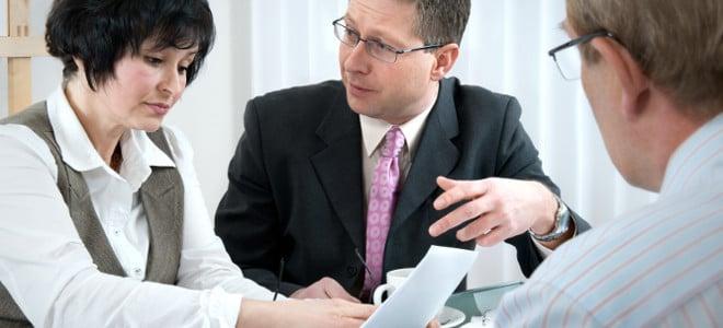 Wird die Mitwirkungspflicht und Mitteilungspflicht nicht eingehalten oder missbraucht, kann eine Anzeige drohen.