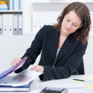 Sollten Sie Geld aus einem Nebenverdienst beziehen, müssen Sie dies bei Ihrem Sachbearbeiter angeben.