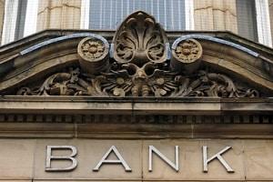Bei der Bank können Sie ein P-Konto beantragen oder Ihr Girokonto umwandeln lassen.