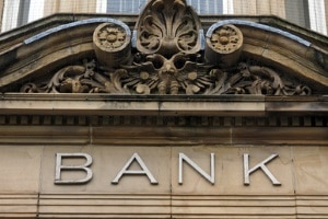 Wenn Sie eine Pfändung befürchten, können Sie bei Ihrem Geldinstitut darum bitten, Ihr Girokonto als P-Konto zu führen.