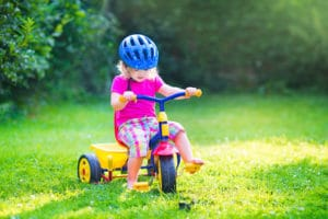 Der Regelsatz von Hartz IV wird bei alleinerziehend lebenden Eltern aufgestockt.