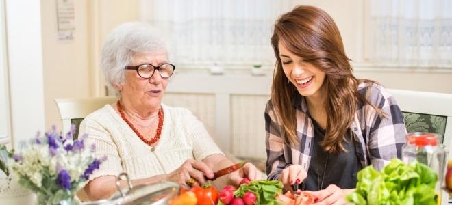 Die Rente verspricht oftmals endlich mehr Zeit für die Enkelkinder.