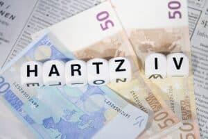 Was müssen Hartz-4-Empfänger bezüglich der Rückzahlung der Halbwaisenrente beachten?