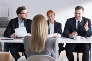 Um unseriöse Jobangebote aufzudecken, sollten Sie bei der Bewerbung auf Ihr Bauchgefühl hören.