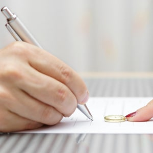 Vorschaubild für den Ratgeber zur Online-Scheidung